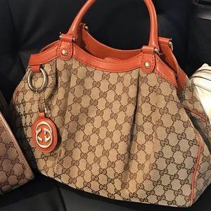 ✳️ SOLD! ✳️Gucci canvas Handbag